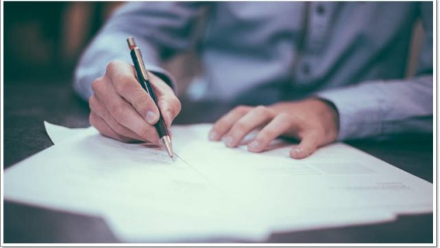 職務経歴書で書くべきこと、書かないほうがいいこととは?【転職と副業の掛け算】